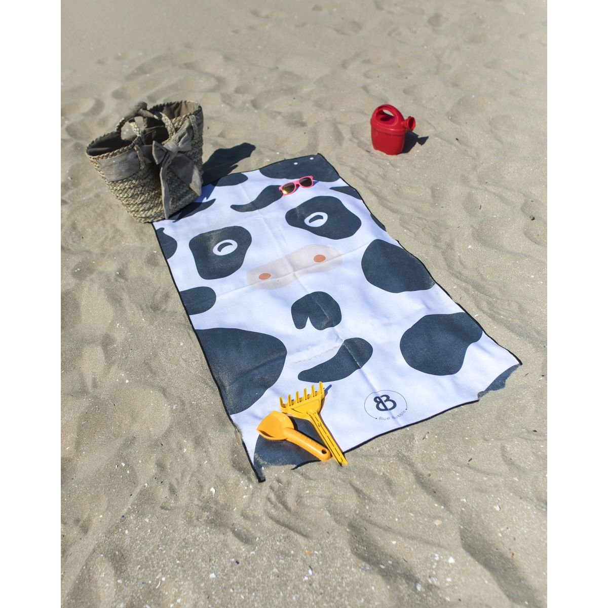 drap de plage enfant microfibre anuanua imprim vache vasion. Black Bedroom Furniture Sets. Home Design Ideas